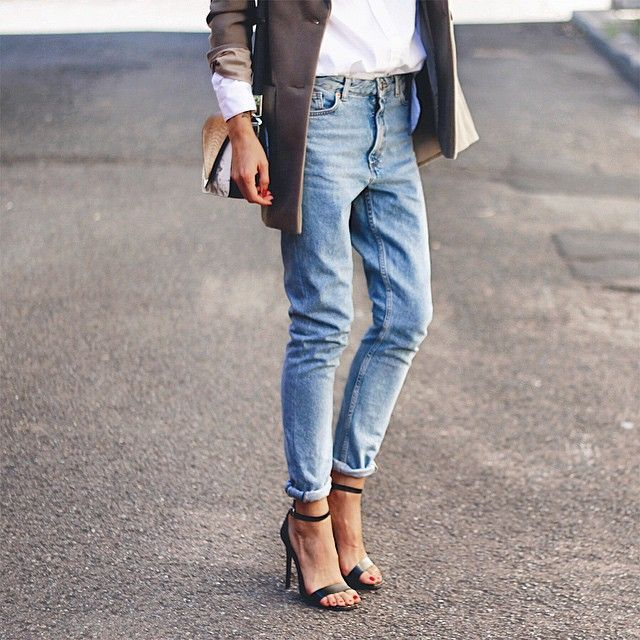 RED REIDING HOOD: Fashion inspiration baggy jeans blazer strappy sandals