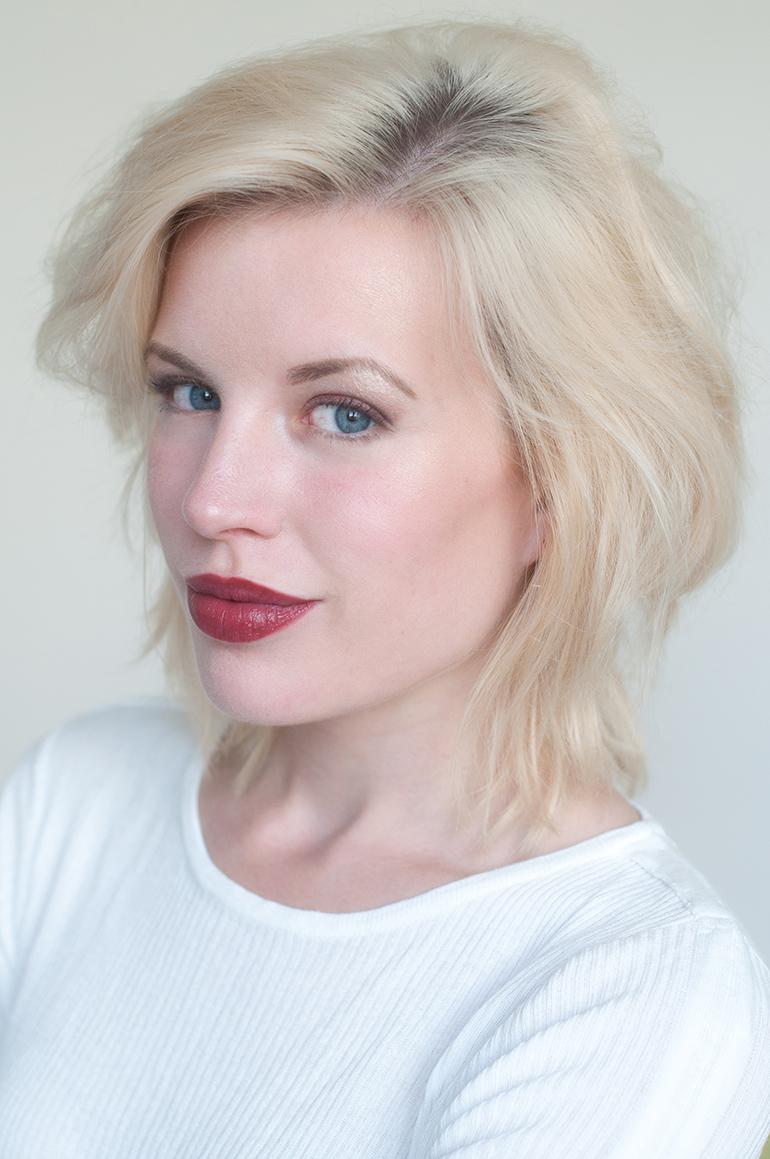 RED REIDING HOOD: Beauty blogger review clinique pop lip colour + primer cola swatch full face