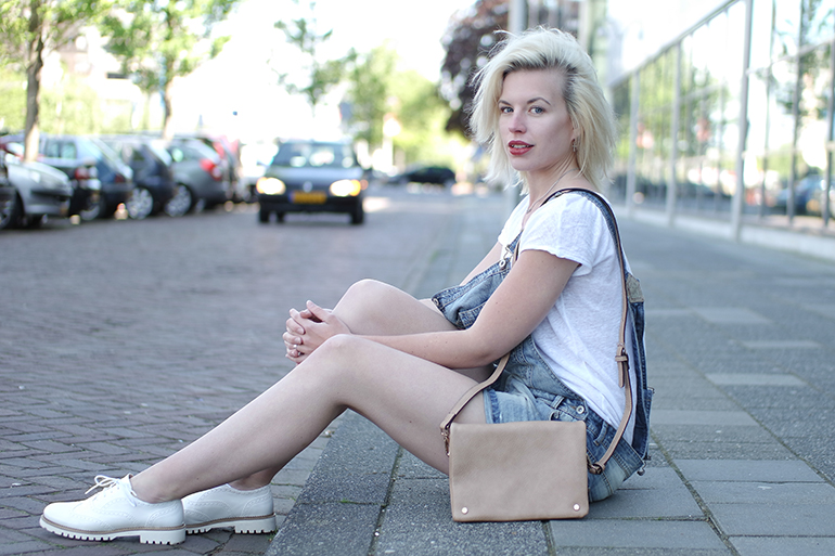 RED REIDING HOOD: Fashion blogger wearing denim overalls outfit dungarees omoda shoes