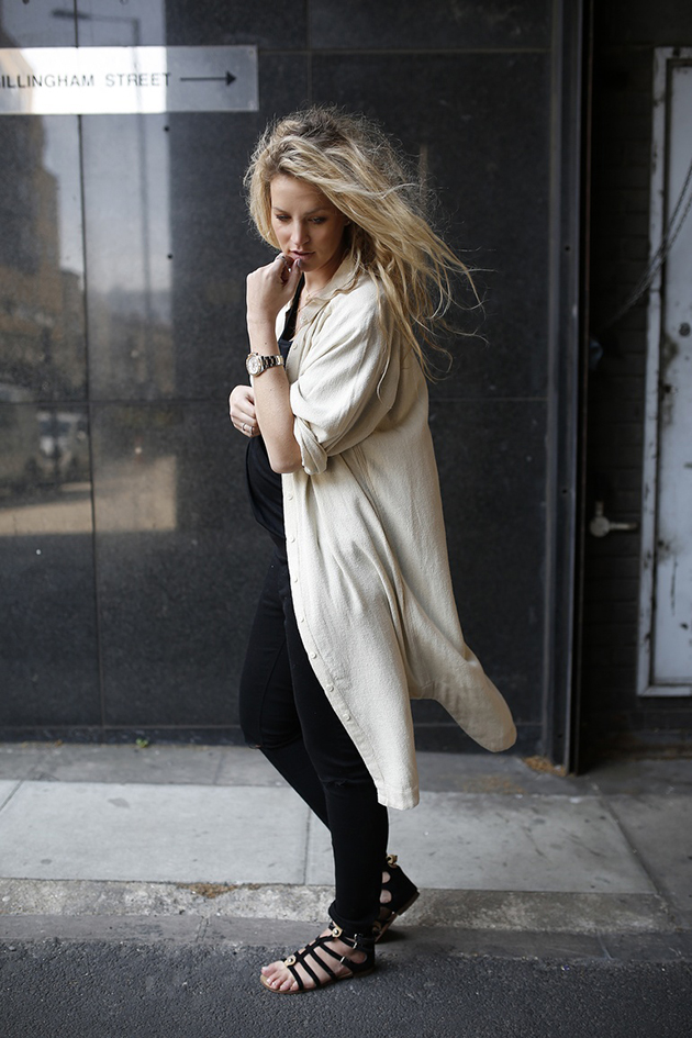 RED REIDING HOOD: Fashion blogger anouk yve pregnant look maternity outfit