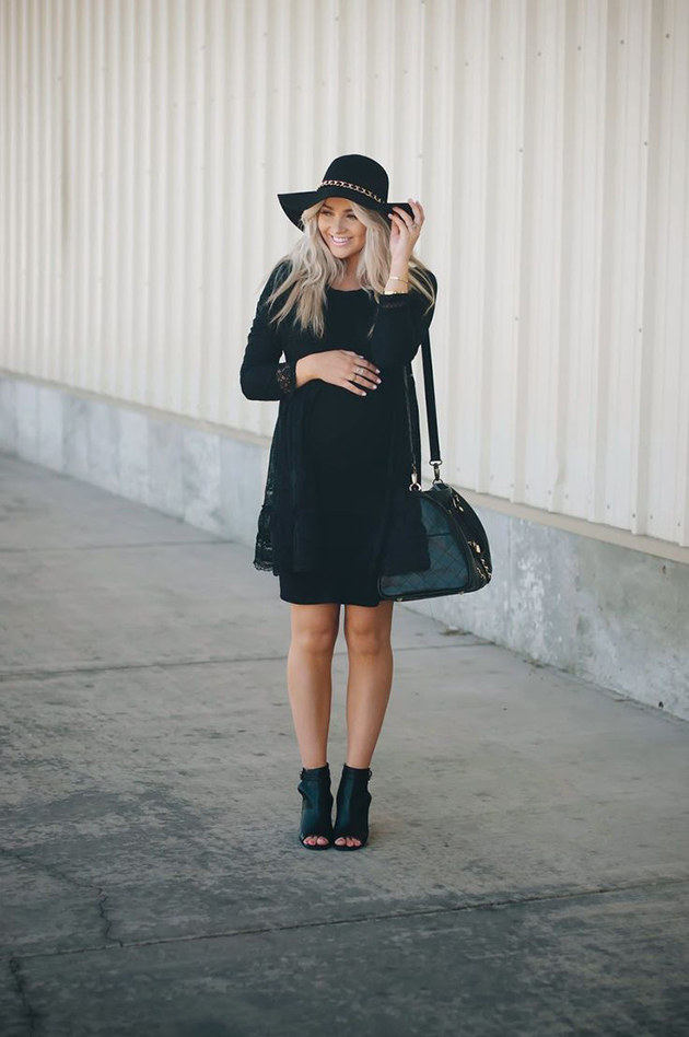 RED REIDING HOOD: Fashion blogger wearing all black pregnancy look cara loren maternity outfit