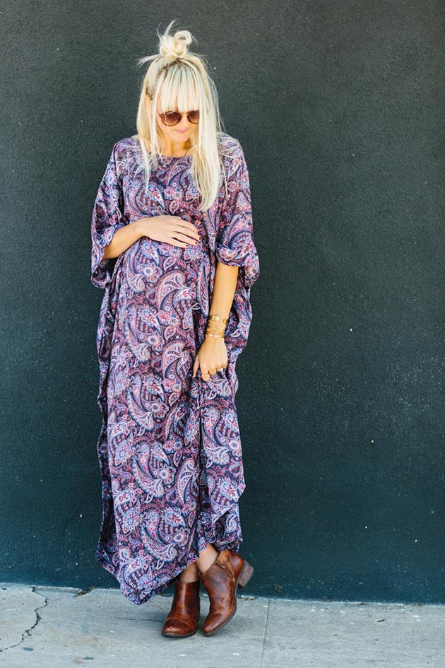 RED REIDING HOOD: Pregnant fashion blogger kelli murray flower paisley dress maternity outfit