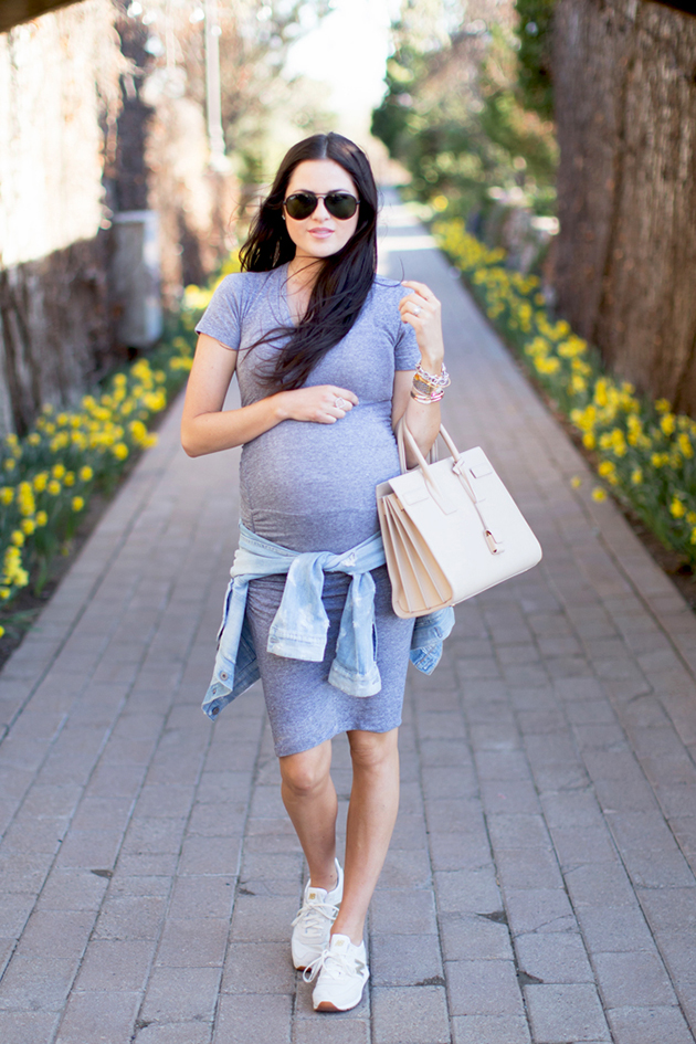 RED REIDING HOOD: Fashion blogger pink peonies pregnancy look midi dress maternity outfit