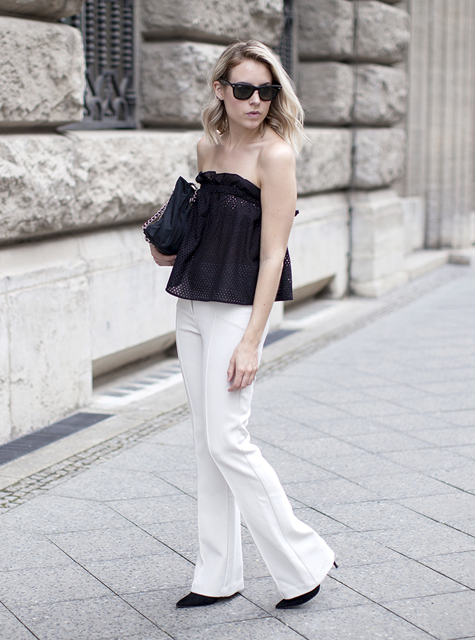 RED REIDING HOOD: Fashion blogger fashion hoax wearing off shoulder top trend