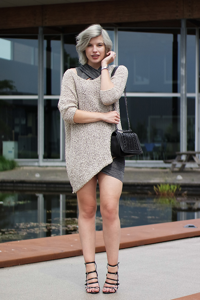 RED REIDING HOOD: Fashion blogger wearing zara wrap dress oversized jumper strappy sandals outfit
