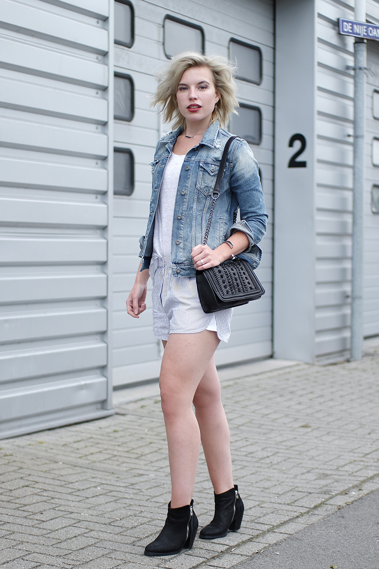 RED REIDING HOOD: Fashion blogger wearing denim jacket pepe jeans pyjama shorts H&M Trend acne pistol boots outfit