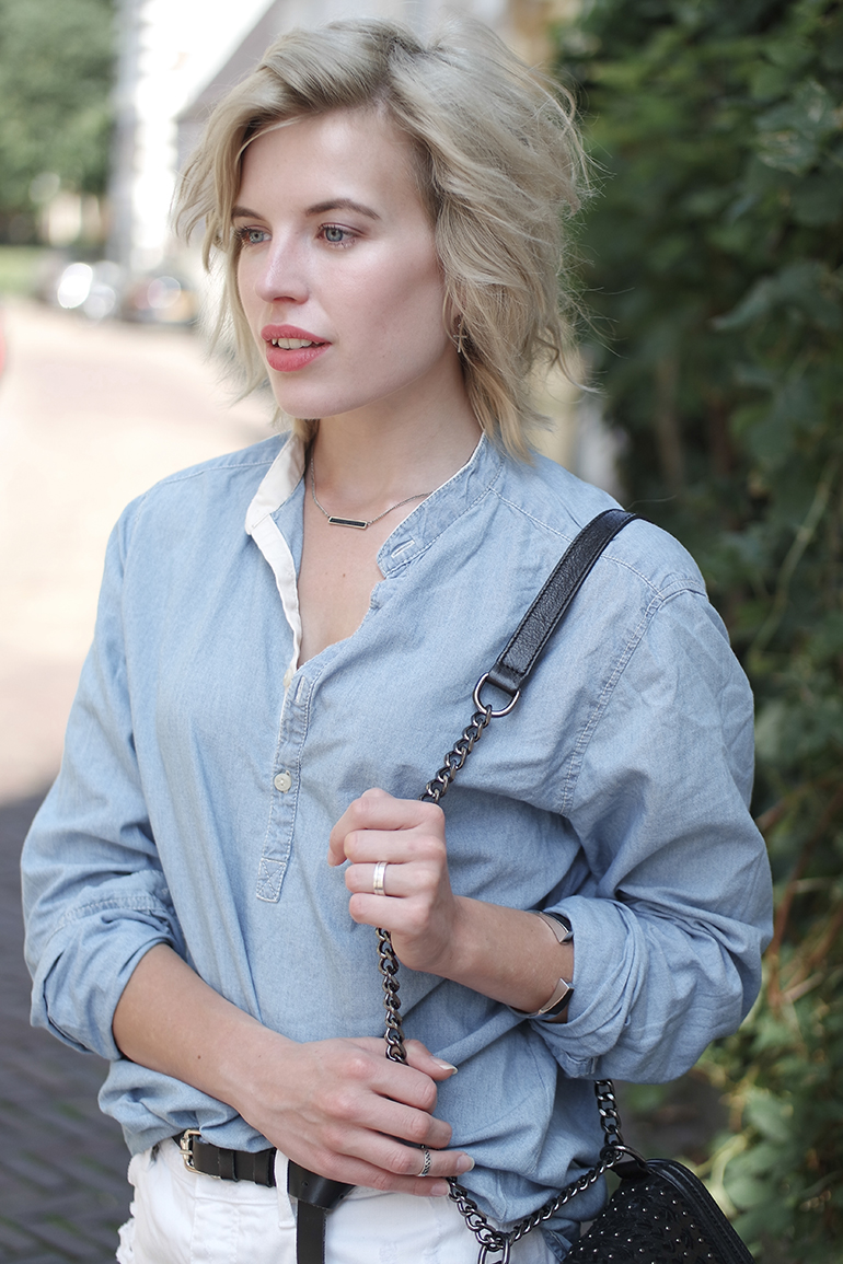 RED REIDING HOOD: Fashion blogger wearing denim chambray shirt outfit details