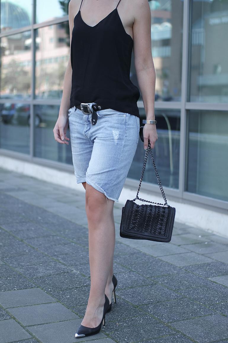 RED REIDING HOOD: Fashion blogger wearing camisole cami top H&M trend boyfriend denim shorts outfit zara chain bag