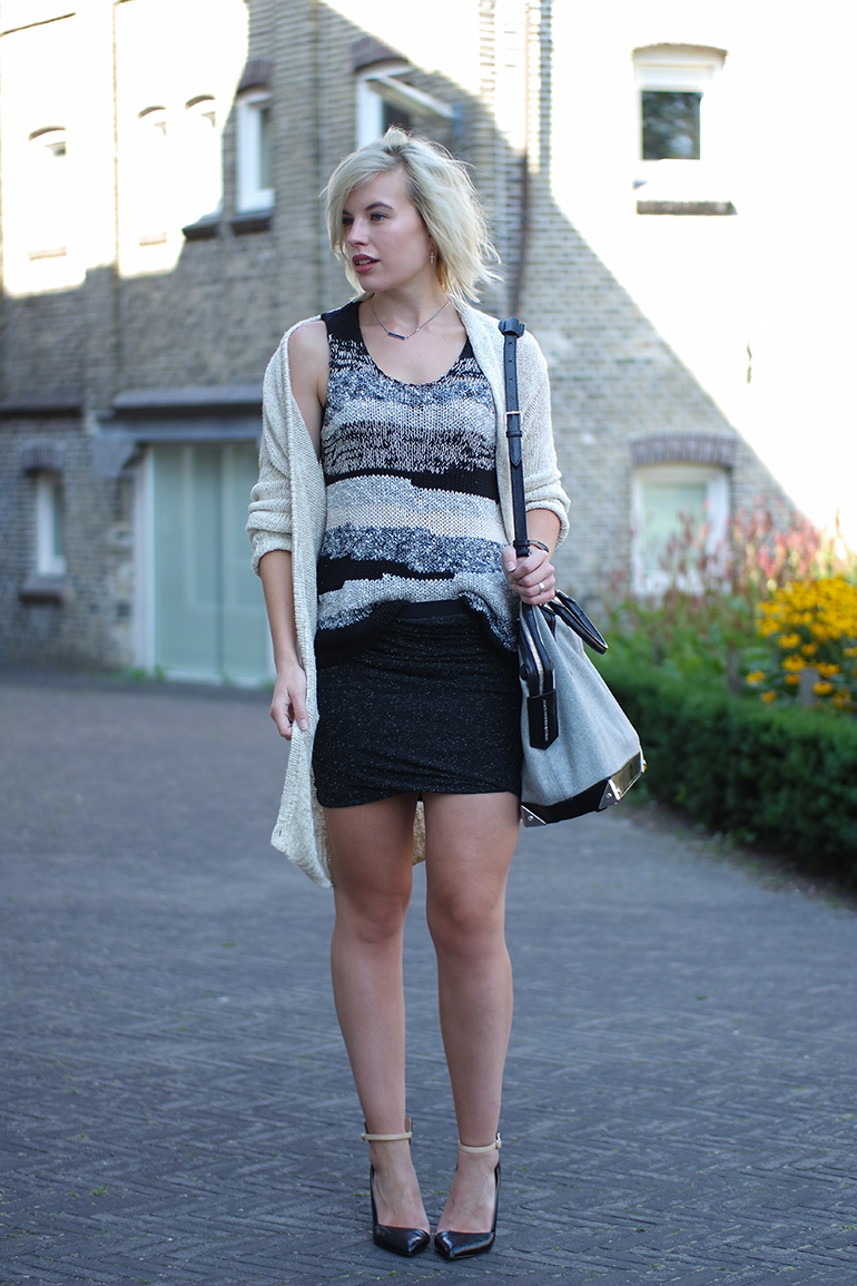 RED REIDING HOOD: Fashion blogger wearing knit sleeveless top wrap skirt cardigan alexander wang emile tote outfit