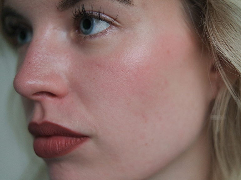 RED REIDING HOOD: Beauty blogger review clinique chubby cheeks 02 robust rhubarb on the face