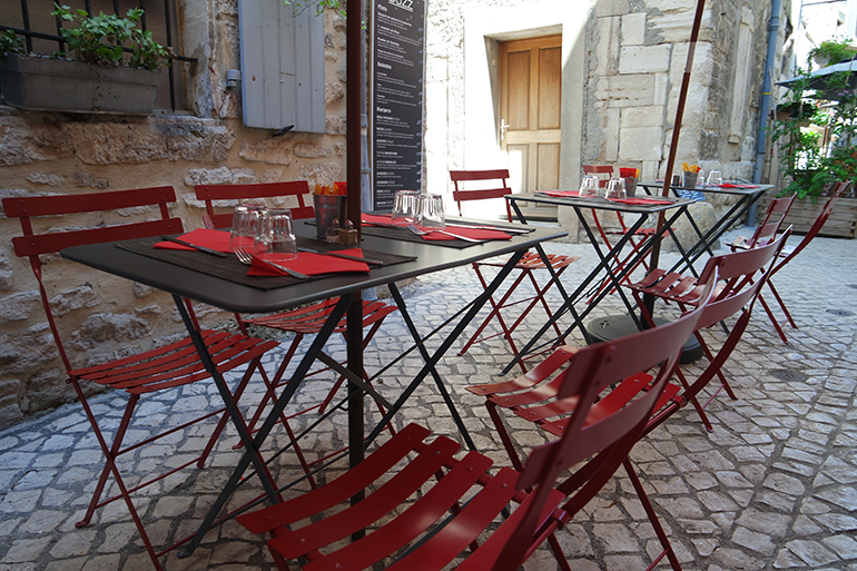 RED REIDING HOOD: Cafe terrace medieval city barjac