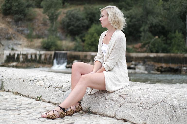 RED REIDING HOOD: Fashion blogger wearing leopard tie up sandals american vintage cardigan
