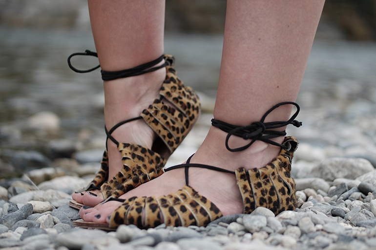 RED REIDING HOOD: Fashion blogger wearing leopard ponyhair tie up sandals outfit details