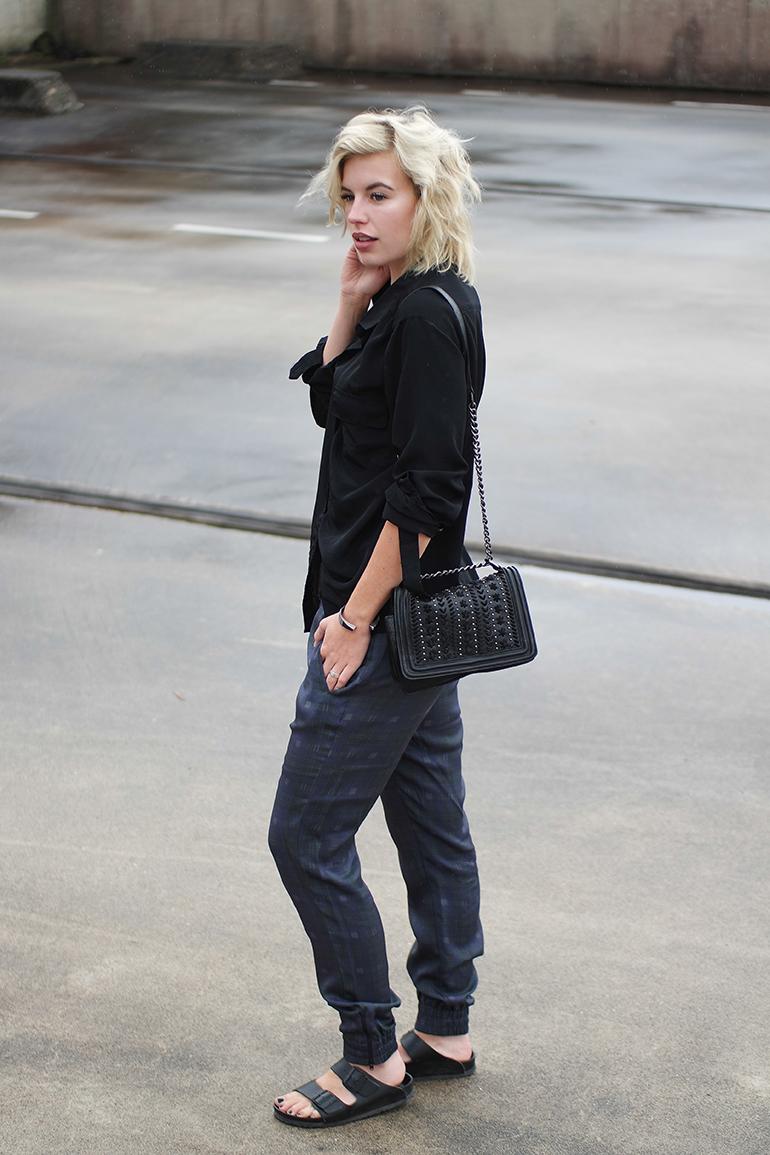 RED REIDING HOOD: Fashion blogger wearing H&M trend pyjama pants birkenstock monterey slides outfit