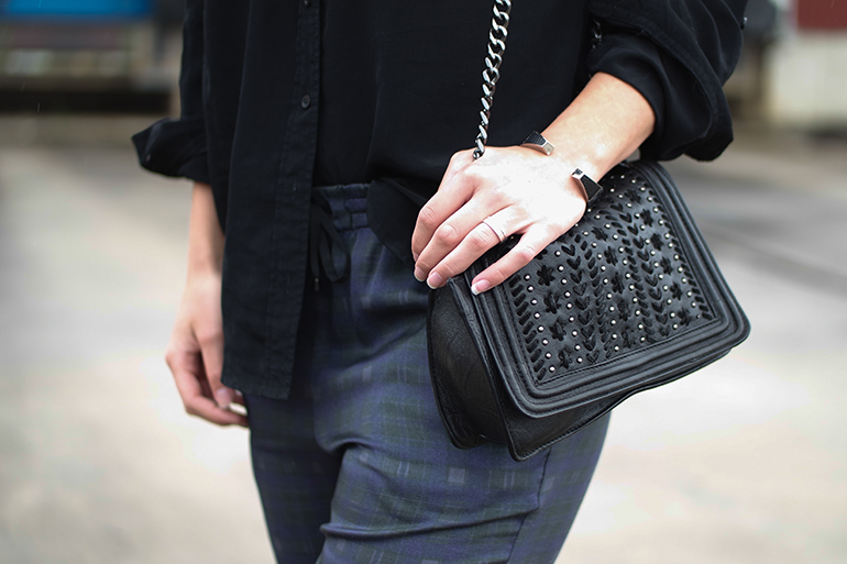 RED REIDING HOOD: Fashion blogger wearing KO chanel boy bag zara chain bag outfit details