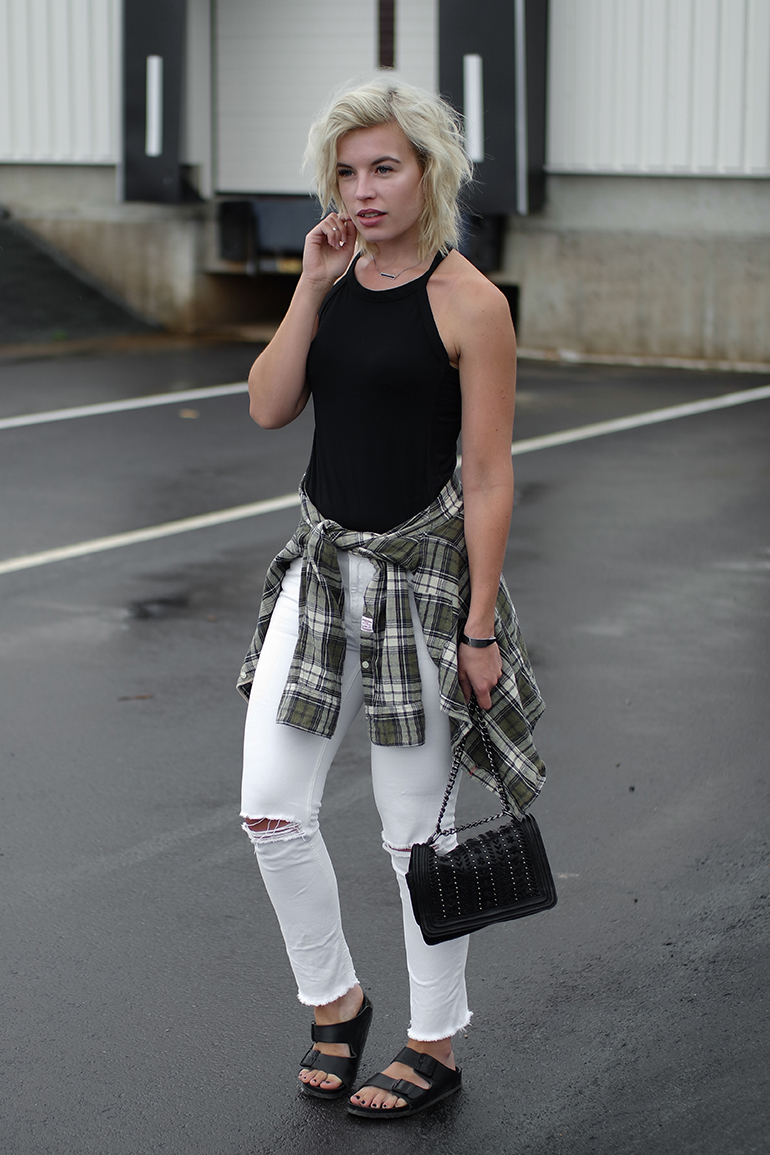 RED REIDING HOOD: Fashion blogger wearing white ripped jeans birkenstock monterey sandals flannel shirt tied around the waist outfit