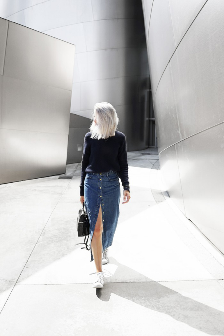 RED REIDING HOOD: Fashion blogger my dubio wearing button front midi denim skirt outfit