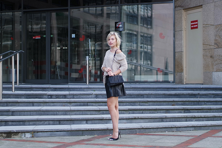 RED REIDING HOOD: Fashion blogger wearing leather look skater skirt boohoo outfit