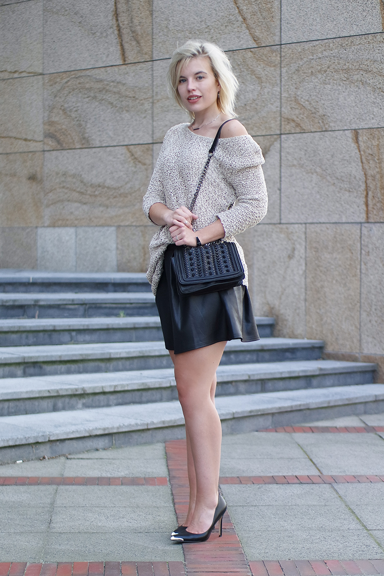 RED REIDING HOOD: Fashion blogger wearing guess pointy pumps zara chain bag off shoulder jumper outfit
