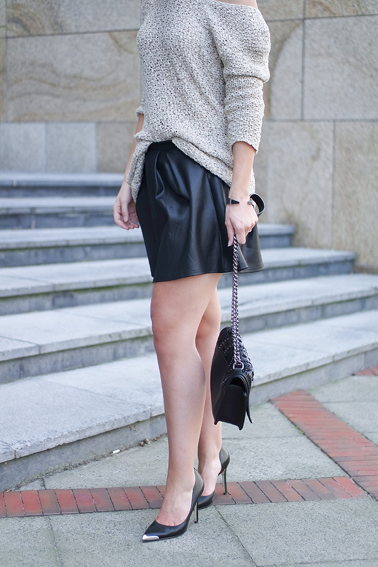 RED REIDING HOOD: Fashion blogger wearing cold off shoulder jumper leather look skater skirt boohoo guess pumps outfit