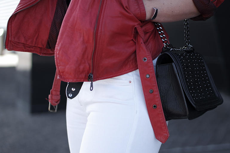 RED REIDING HOOD: Fashion blogger wearing vintage red leather jacket outfit details zara chain bag