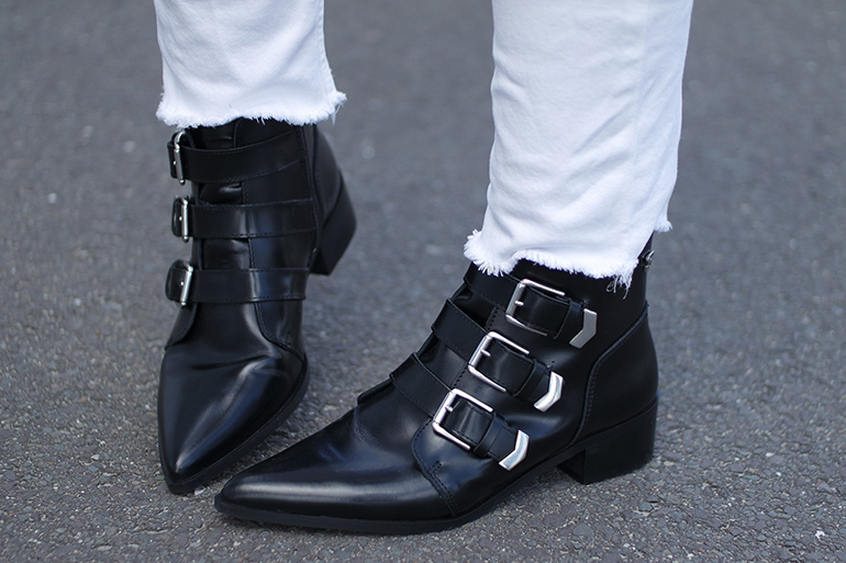 RED REIDING HOOD: Fashion blogger wearing pointy toe ankle boots supertrash buckle boots patent leather outfit details