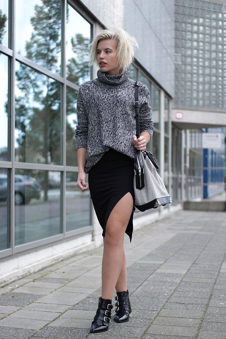 RED REIDING HOOD: Fashion blogger wearing side split skirt H&M heavy knit turtleneck lindex alexander wang bag supertrash boots