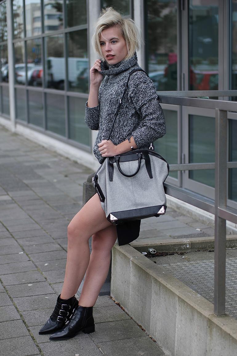 RED REIDING HOOD: Fashion blogger wearing chunky knit turtleneck jumper lindex alexander wang emile tote bag supertrash ankle boots
