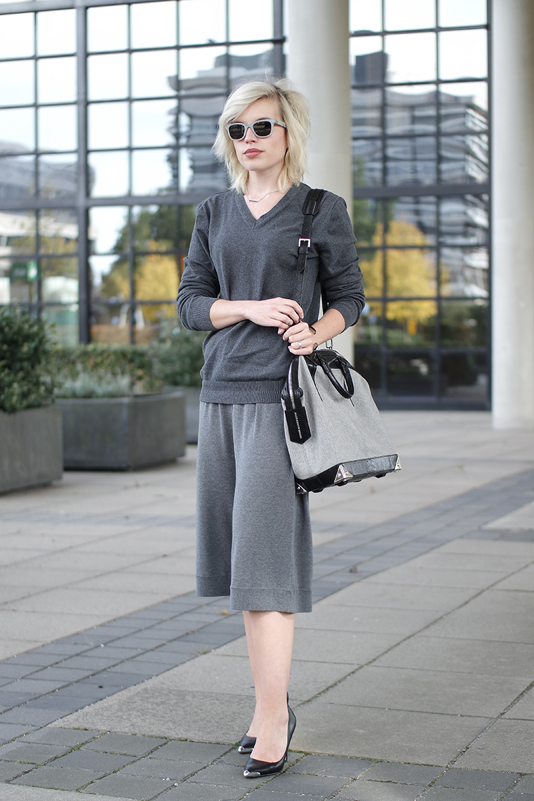 RED REIDING HOOD: Fashion blogger wearing Acne Studios heidi culottes grey v-neck sweater outfit