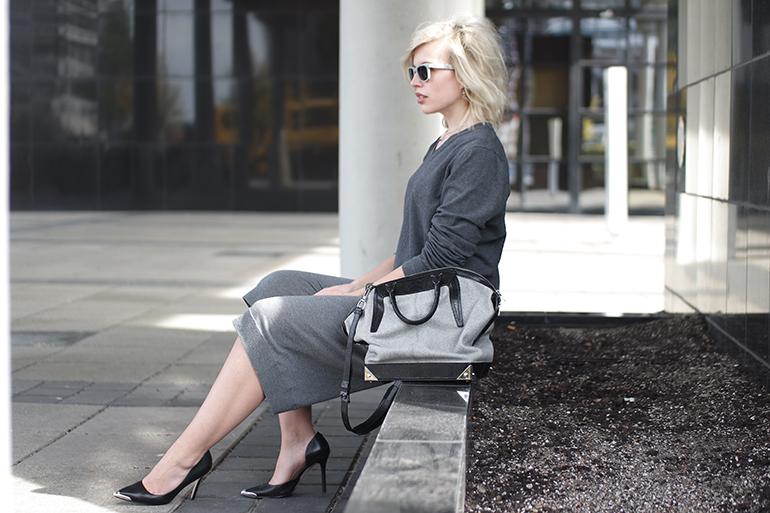 RED REIDING HOOD: Fashion blogger wearing acne studios heide culottes guess heels alexander wang emile tot bag outfit