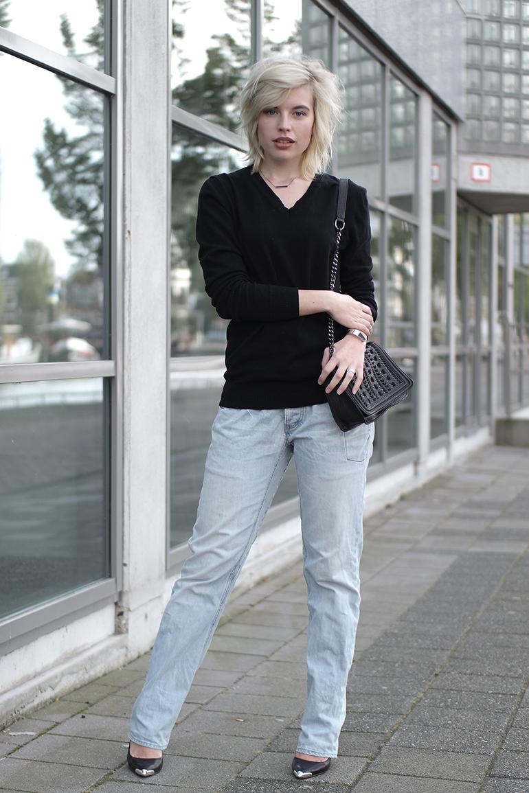 RED REIDING HOOD: Fashion blogger wearing light blue PME jeans outfit actual boyfriend jeans