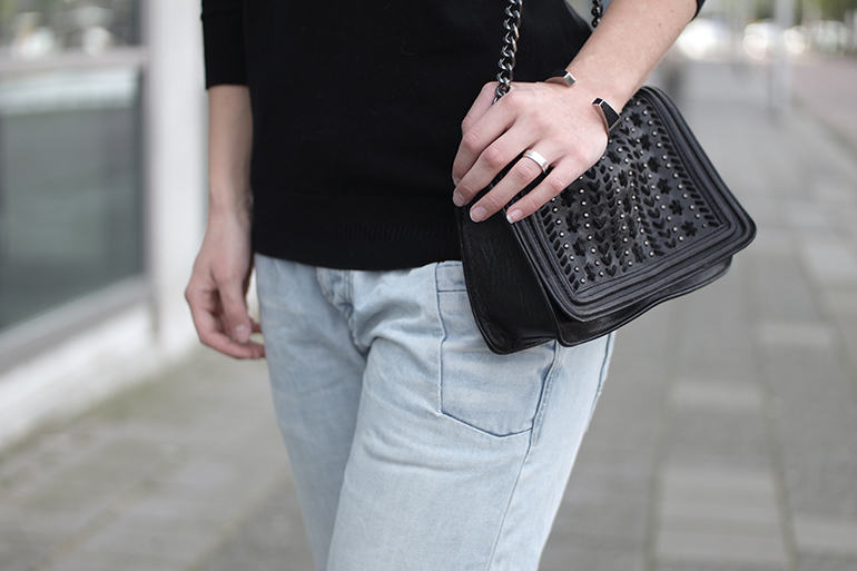 RED REIDING HOOD: Fashion blogger wearing zara chain bag outfit details