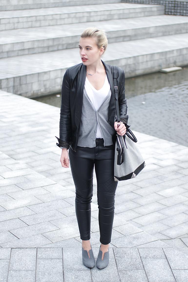 RED REIDING HOOD: Fashion blogger wearing faux leather biker pants H&M Mango leather suit jacket outfit