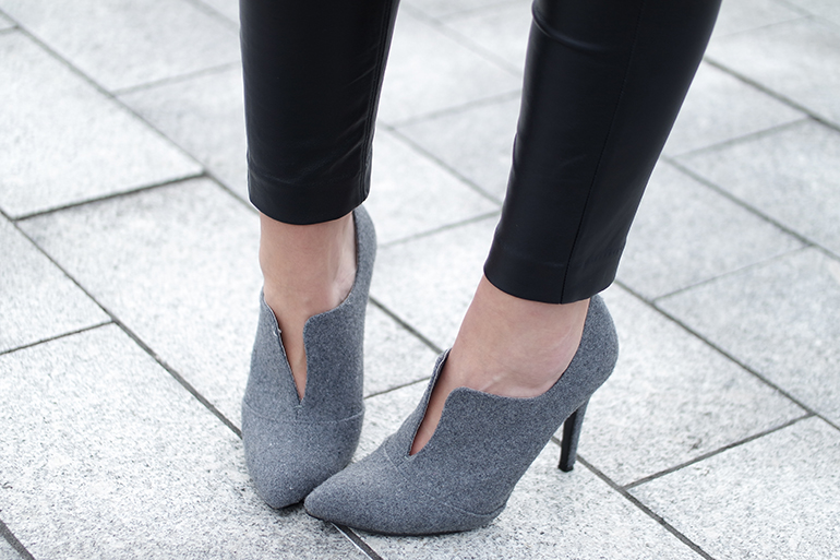 RED REIDING HOOD: Fashion blogger wearing cut out ankle boots invito pumps outfit details