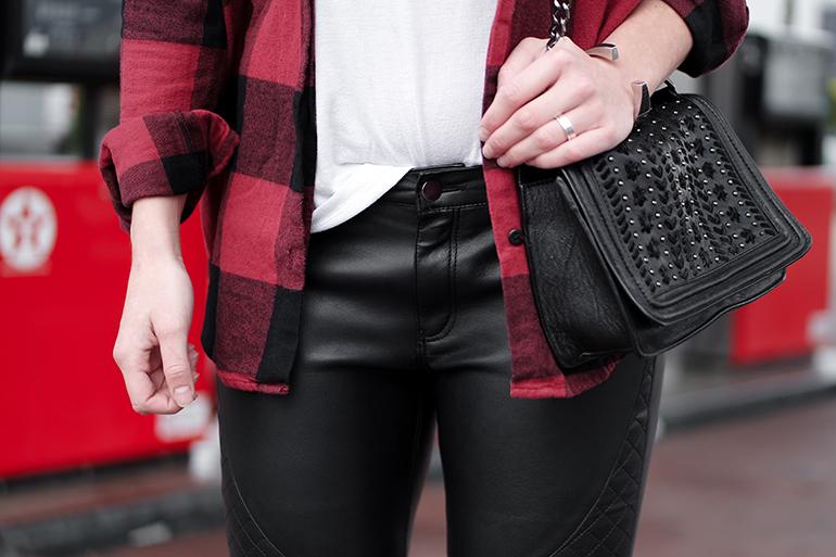 RED REIDING HOOD: Fashion blogger wearing zara chain bag chanel boy bag check shirt outfit details