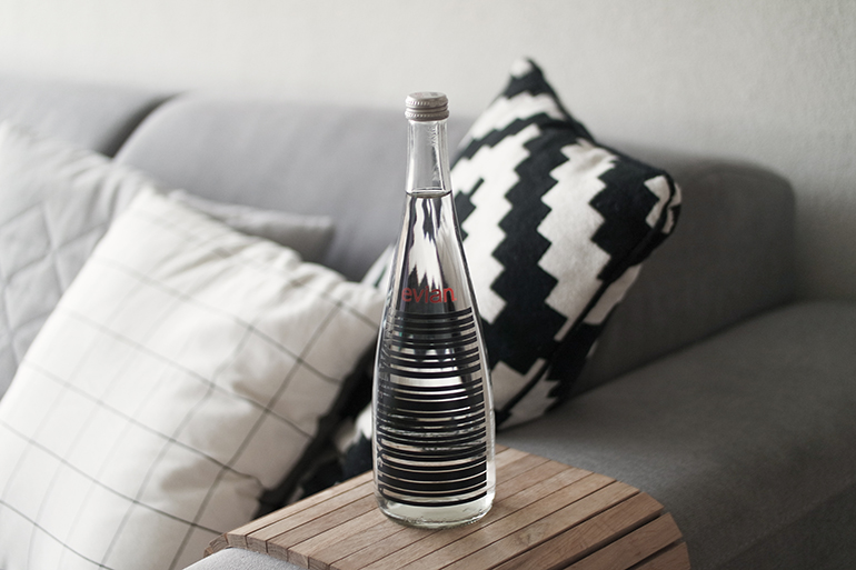 RED REIDING HOOD: Fashion blogger alexander wang evian bottle home interior