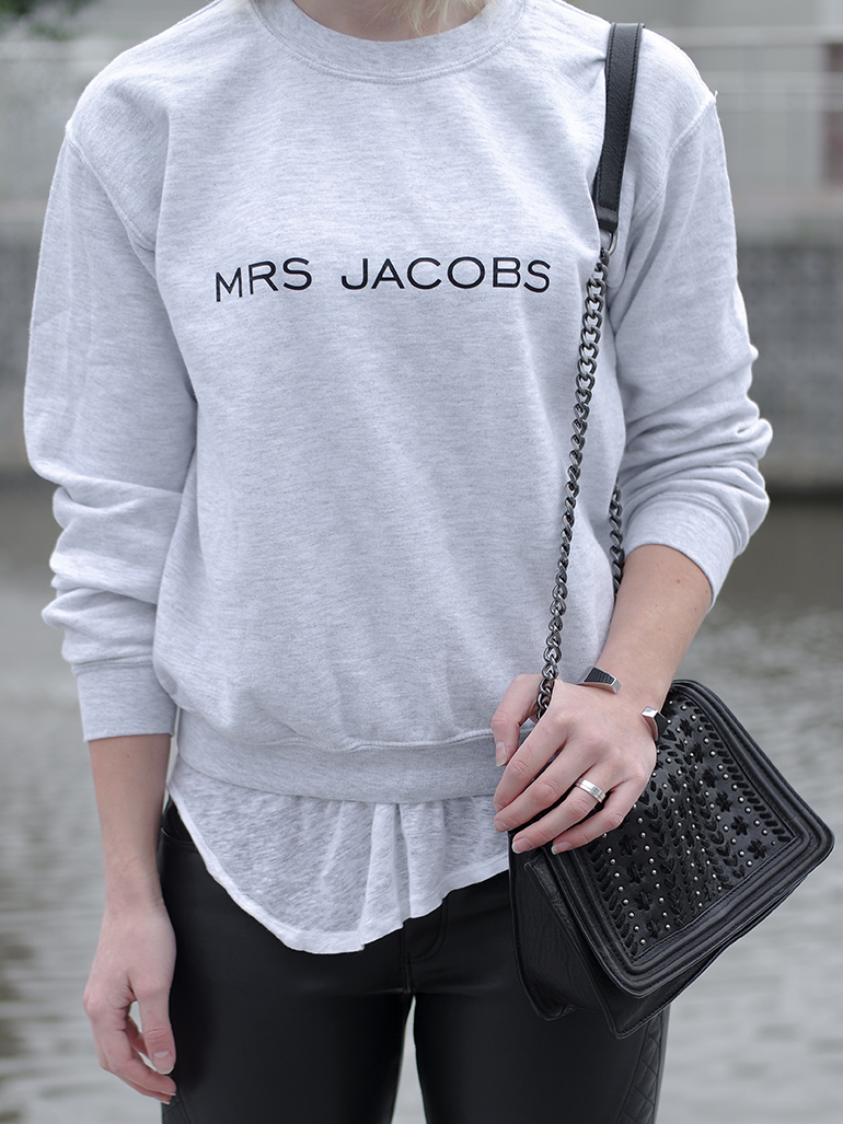 RED REIDING HOOD: Fashion blogger wearing mrs jacobs fashaves sweater quote jumper brian lichtenberg ko outfit details