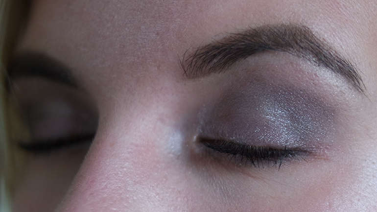 RED REIDING HOOD: Beauty blogger review Sans Soucis Winter Fairtytale rose baked eyeshadow look