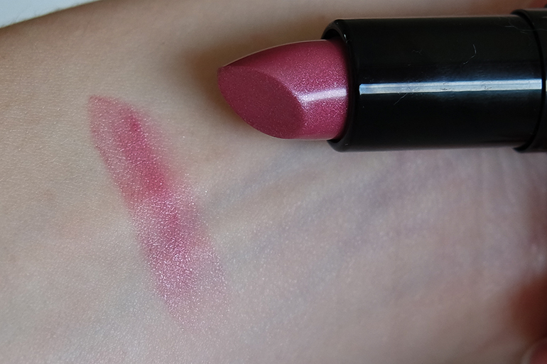 RED REIDING HOOD: Beauty blogger review Sans Soucis Winter Fairytale Glosy Pink Perfect Lips Every Day swatch