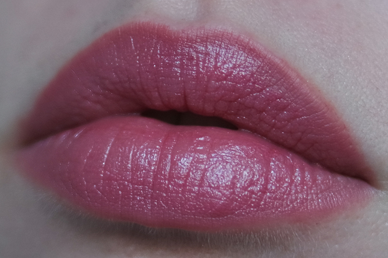 RED REIDING HOOD: Beauty blogger review Sans Soucis Winter Fairytale Glosy Pink Perfect Lips Every Day look