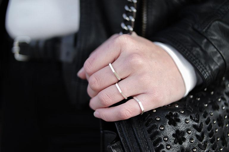 RED REIDING HOOD: Fashion blogger wearing daniëlle vroemen hexagon ring segolda outfit details
