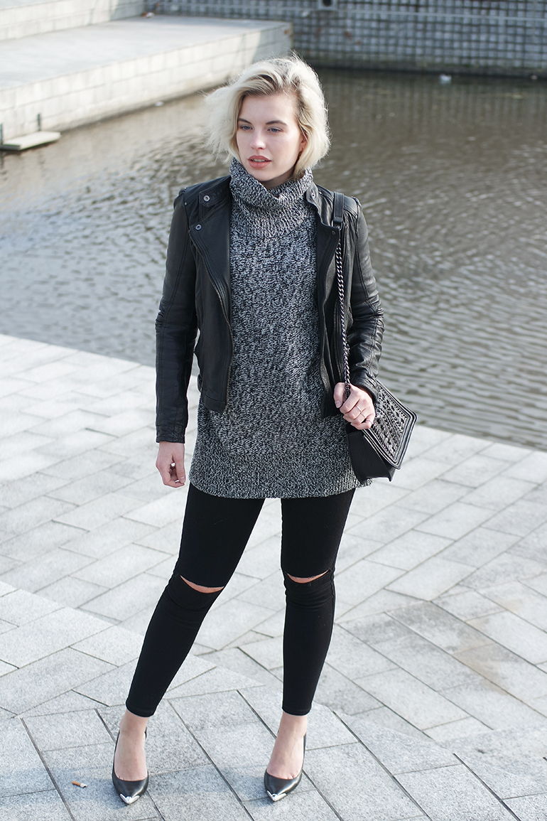 RED REIDING HOOD: Fashion blogger wearing ripped knees skinny jeans only lindex turtleneck leather jacket outfit