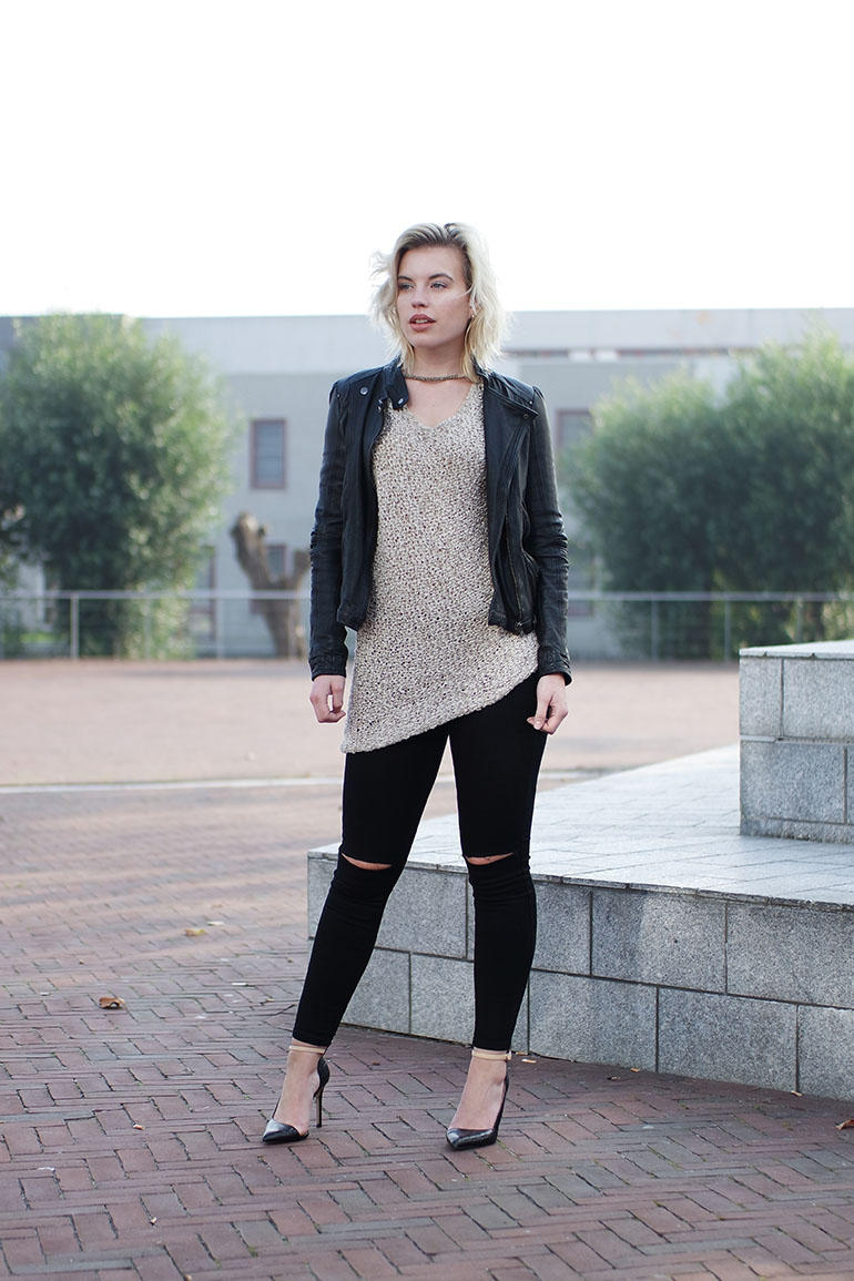 RED REIDING HOOD: Fashion blogger wearing ripped jeans only leather biker jacket zara outfit