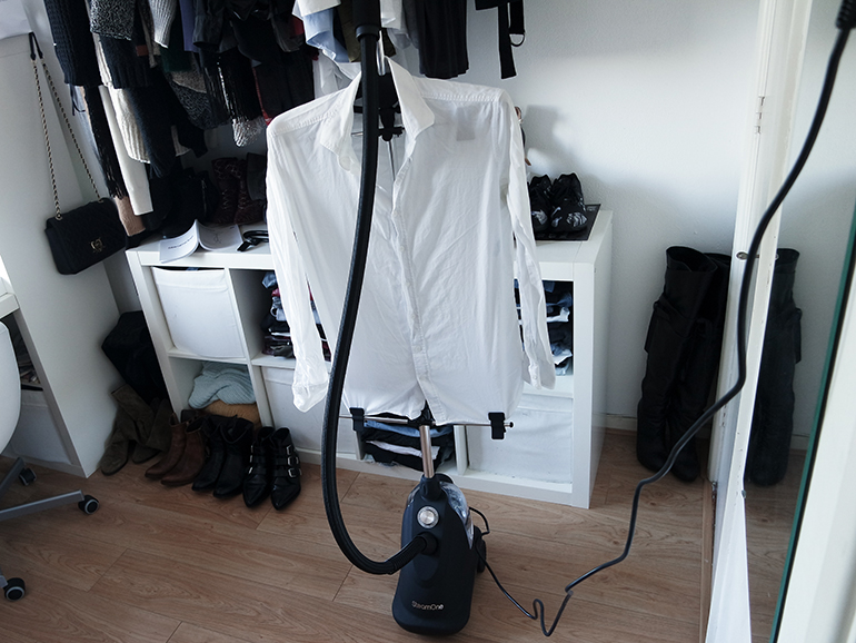 RED REIDING HOOD: Fashion blogger review STEAMONE H10S vertical steaming