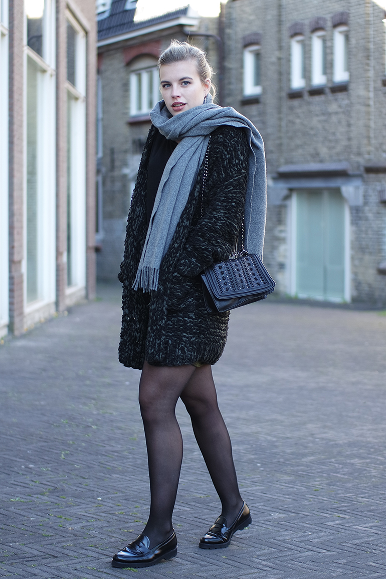 RED REIDING HOOD: Fashion blogger wearing chunky knit cardigan outfit tights loafers