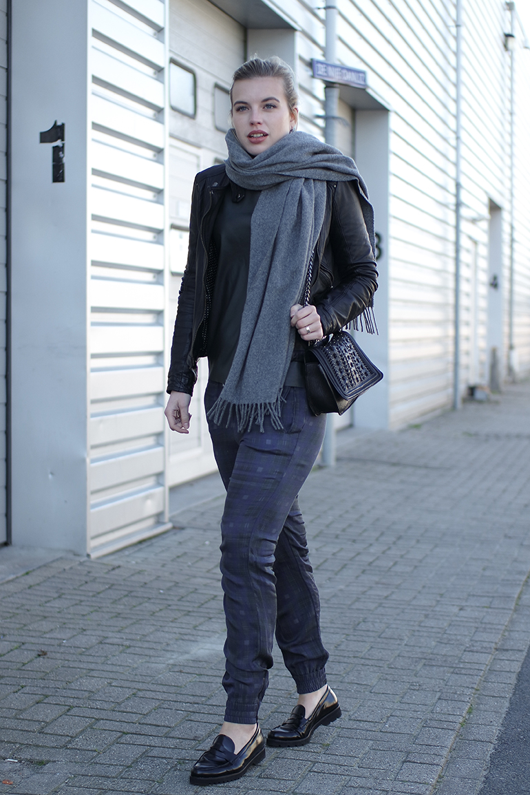 RED REIDING HOOD: Fashion blogger wearing Acne Studios Canada Wool Scarf plaid tartan joggers gabor loafers outfit