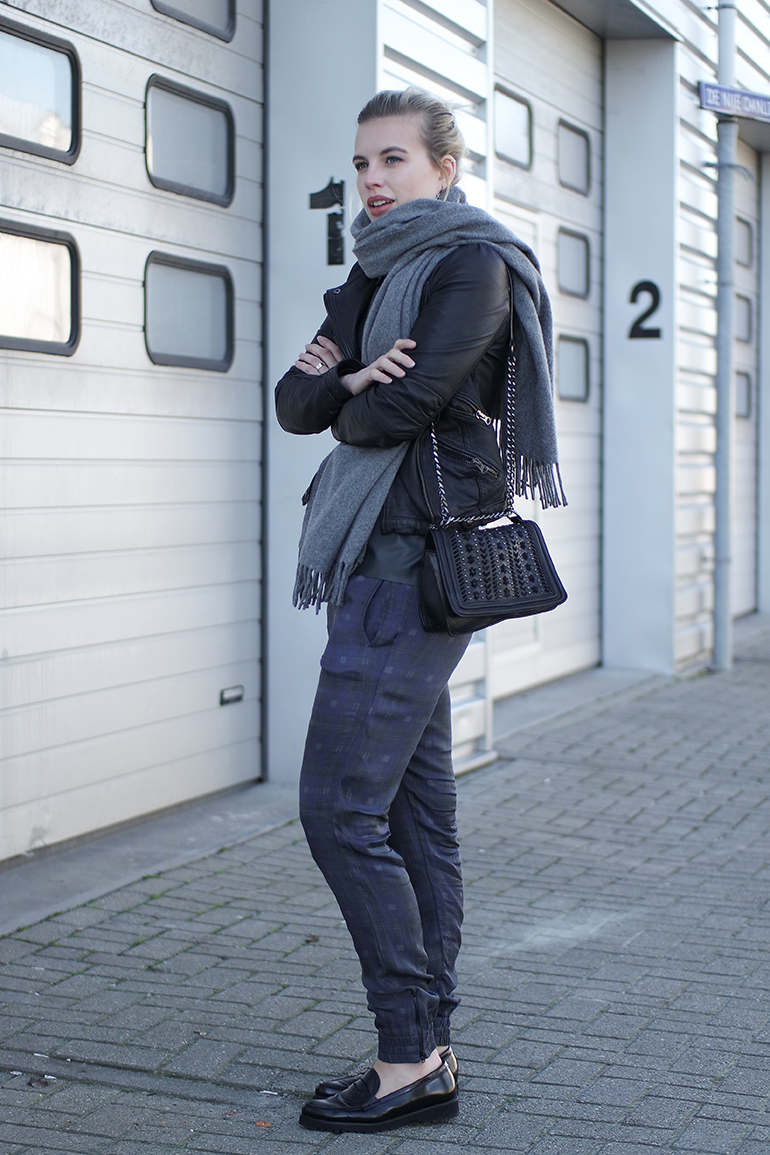 RED REIDING HOOD: Fashion blogger wearing plaid tartan pants H&M Trend loafers omoda acne canada wool scarf outfit chain bag