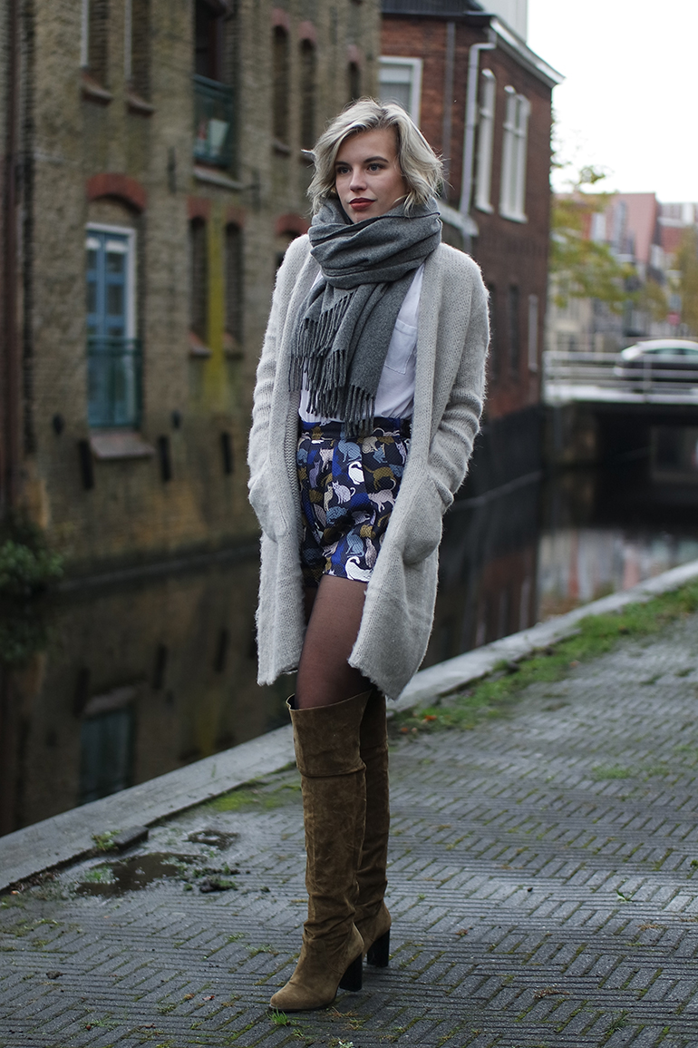 RED REIDING HOOD: Fashion blogger wearing brushed cardigan melting stockholm the sting topshop otk boots outfit