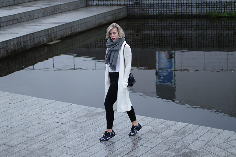 RED REIDING HOOD: Fashion blogger wearing long cardigan acne studios canada wool scarf adidas mythology sneakers outfit