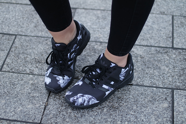 RED REIDING HOOD: Fashion blogger wearing adidas mythology sneakers outfit details